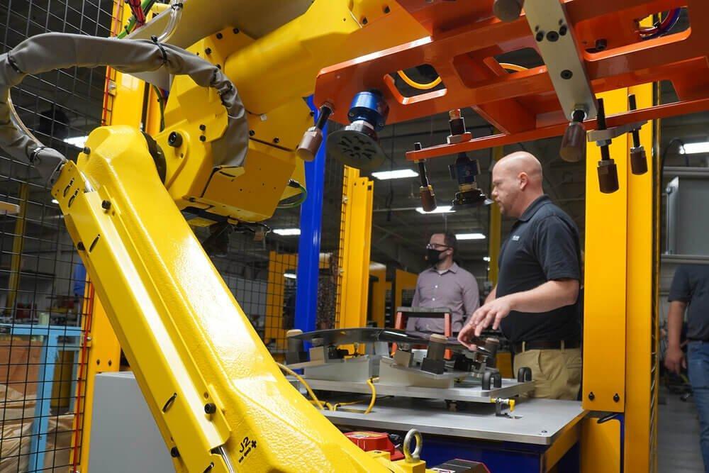 hil-man automation demonstrating robots